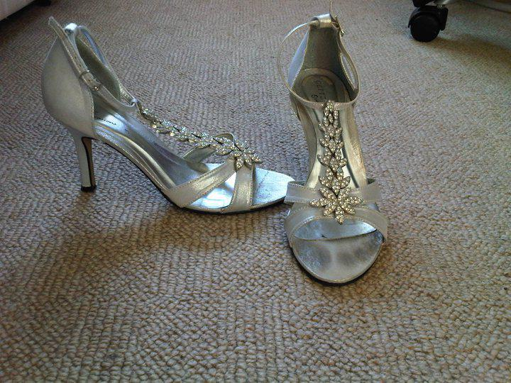dance.net - GORGEOUS silver 2-3 inch heels, WORN ONCE, **any ...