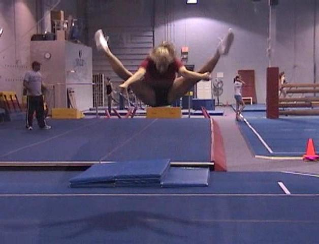 Cheerleader Toe Touch Photos http://www.dance.net/topic/3952497/1/Cheer-Photos-Members/New-better-toe-touch.html