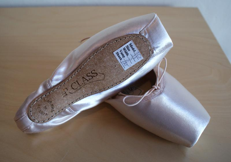 how to break in russian pointe shoes