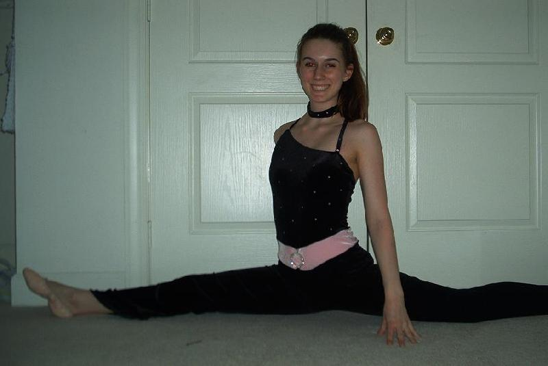 hot-girl-splits