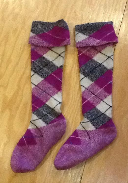 Knitting Pattern For Highland Dance Socks : dance.net - Cerise socks (10176300) - Read article: Ballet ...